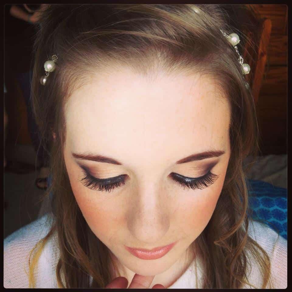 makeup-artist-pe55